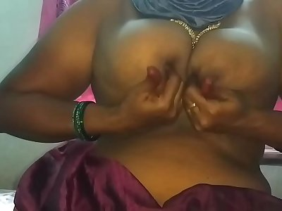 unsatisfied Indian mom pussy oozing