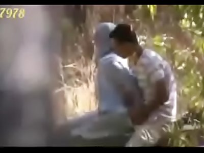 Indian couples fingering and handjob in park